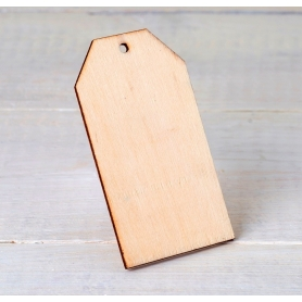 Carte en bois avec trou